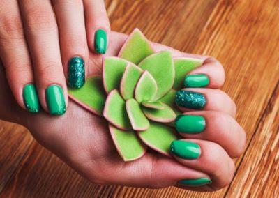 zöld köröm
