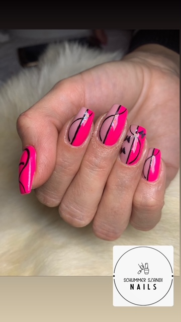 Fekete pink műköröm