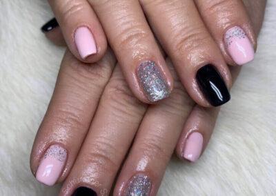 Fekete rózsaszín glitter műköröm