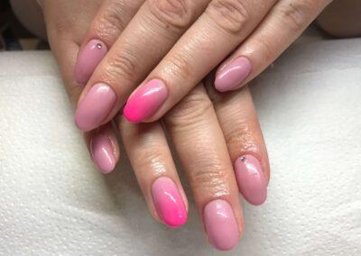 Rózsaszín színátmenetes műköröm